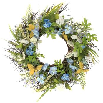 Пасхальный венок с голубыми цветами и бабочками